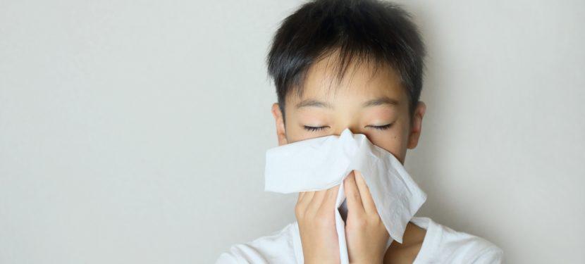 くしゃみ、鼻水、鼻づまり。花粉症に立ち向かう3つのポイント
